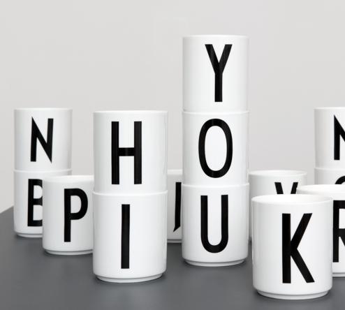Ryddig Arne Jacobsen Porselen Krus - Hviit.no YC-05