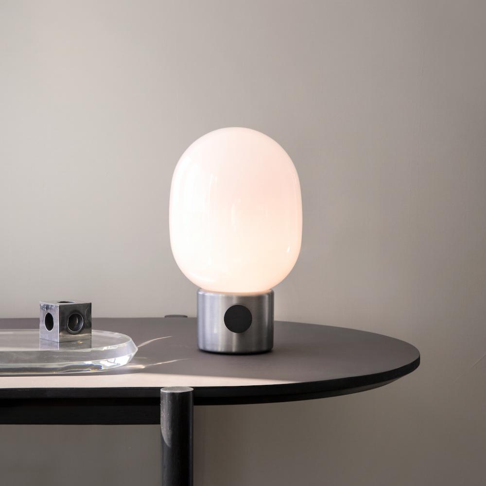 Bilde av JWDA Metallic bordlampe Børstet Stål Menu